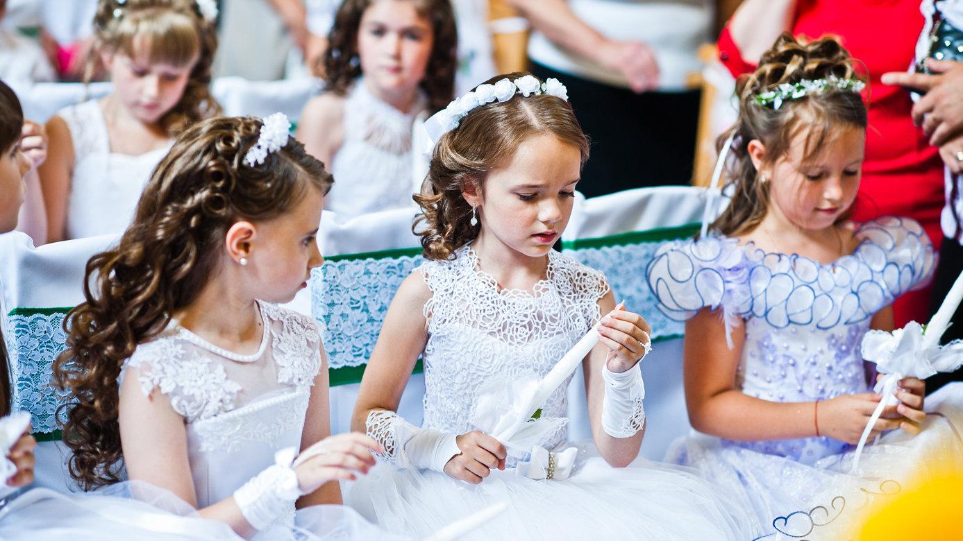 Mädchen frisuren für kommunion Haare für